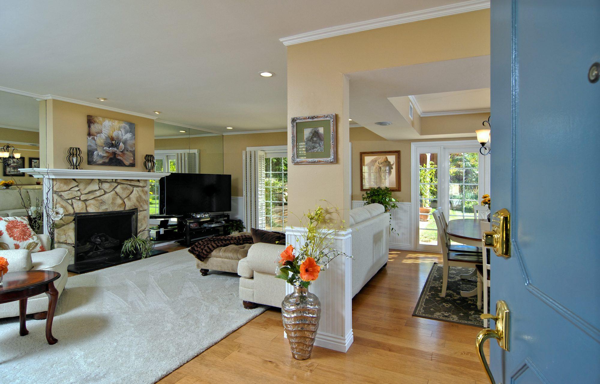 4630 Galendo St Woodland Hills, CA 91364