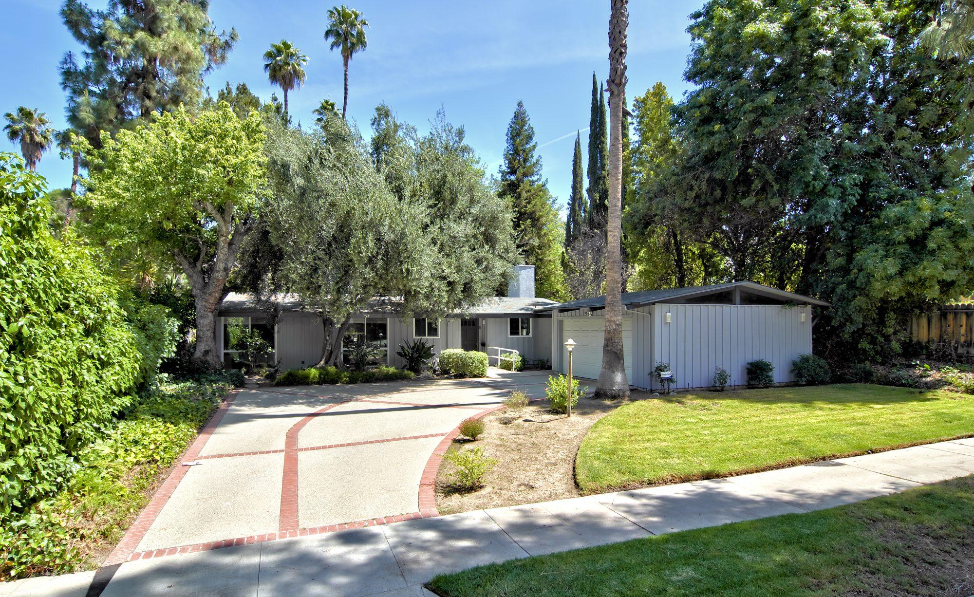 22765 Calabash St, Woodland Hills, CA 91364